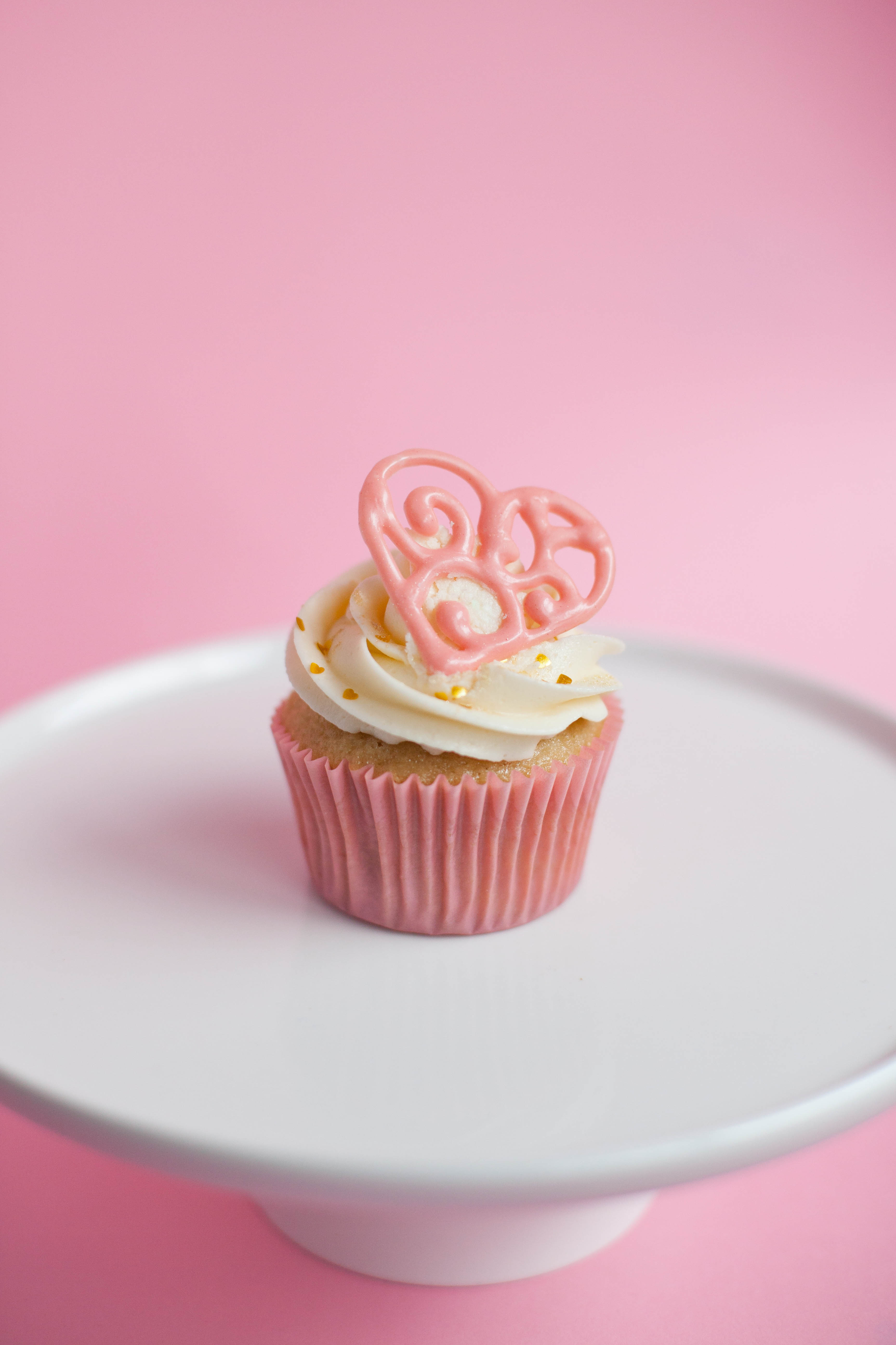 Pink And Gold Bathroom Decor: Pink And Gold Heart Cupcakes